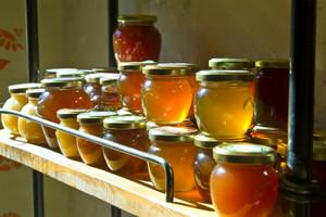 Хранить мед в домашних условиях