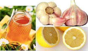 Полезная смесь из чеснока меда и лимона