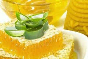Лечение смесью меда, алое и кагора